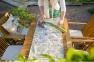 Складной садовый стул с подлокотниками Finlay из дерева акации 2