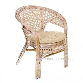 Плетеное кресло из натурального ротанга