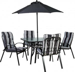 Садовая мебель Quatro: стол со стеклом, 4 стула с подушками и зонт от солнца