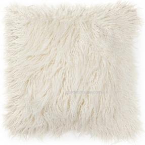 Декоративная подушка Brock из искусственного меха 45x45 см в ассортименте