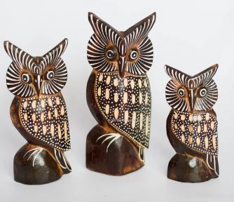 Набор деревянных статуэток из трех сов